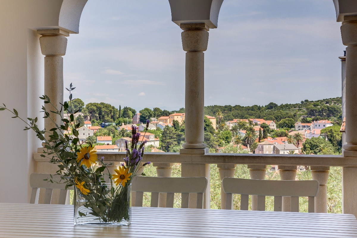 Spacious and airy apartment Alma with two balconies, terrace, WIFI and air conditioning ...